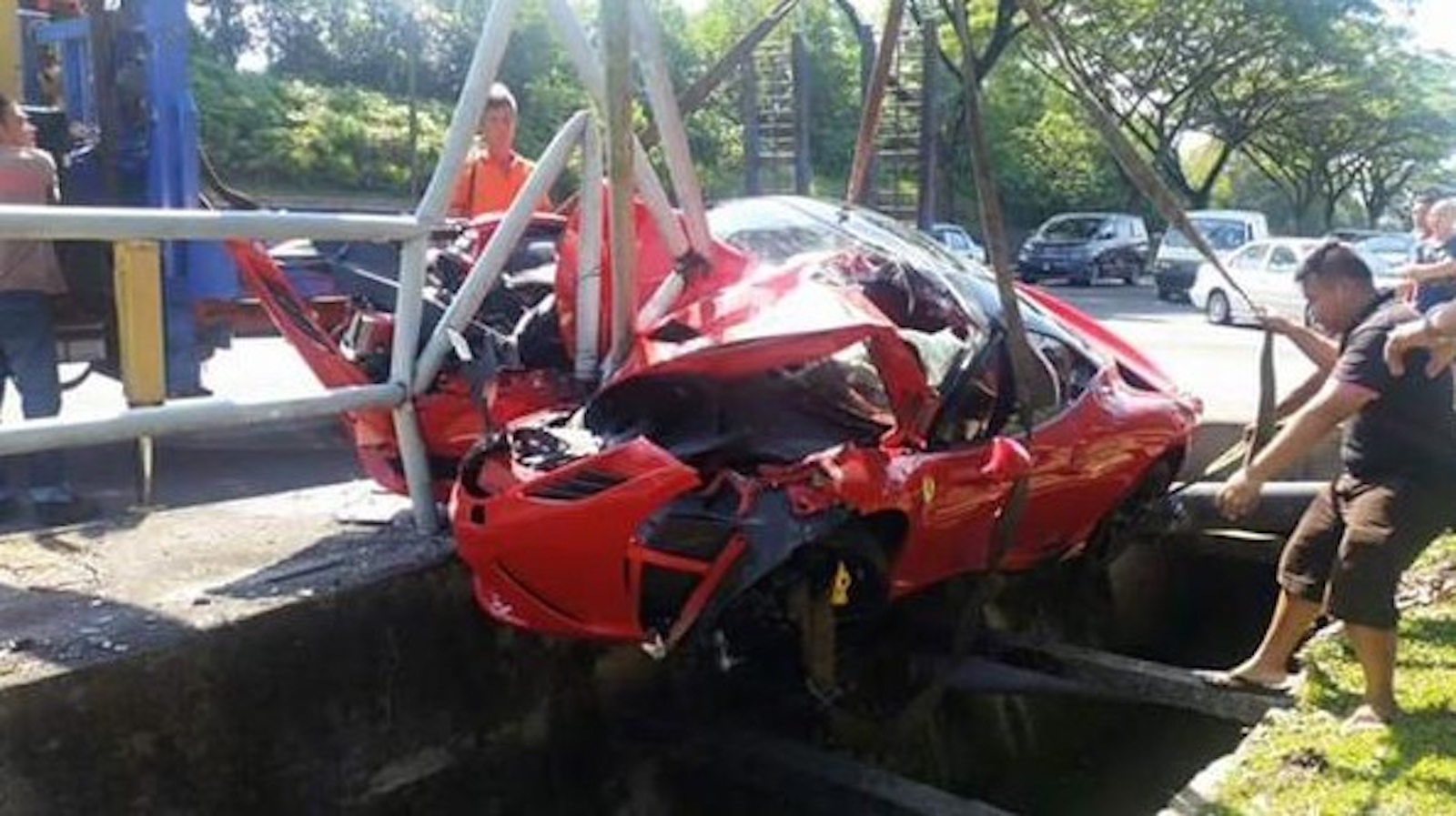 Ferrari 458 Speciale Crashes In Malaysia Gtspirit