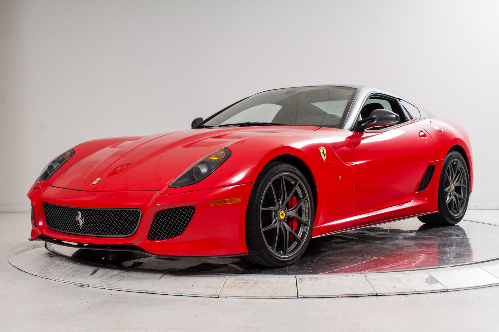 glamorous ferrari 599 gto for sale in the u s gtspirit. Black Bedroom Furniture Sets. Home Design Ideas