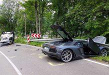 Lamborghini Aventador crashes in Germany