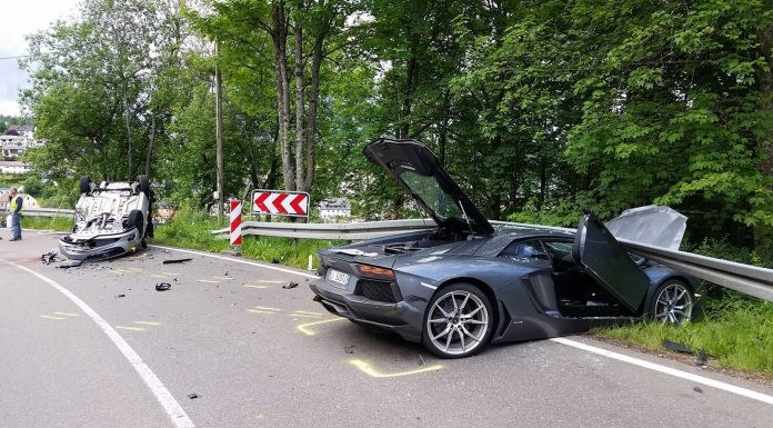 Lamborghini Aventador crashes in Germany