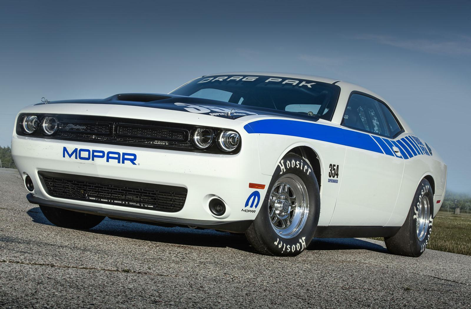 official 2016 mopar dodge challenger drag pak gtspirit. Black Bedroom Furniture Sets. Home Design Ideas