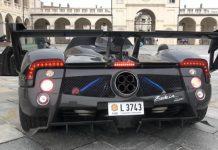 Pagani Zonda 760LM Roadster revs in Italy