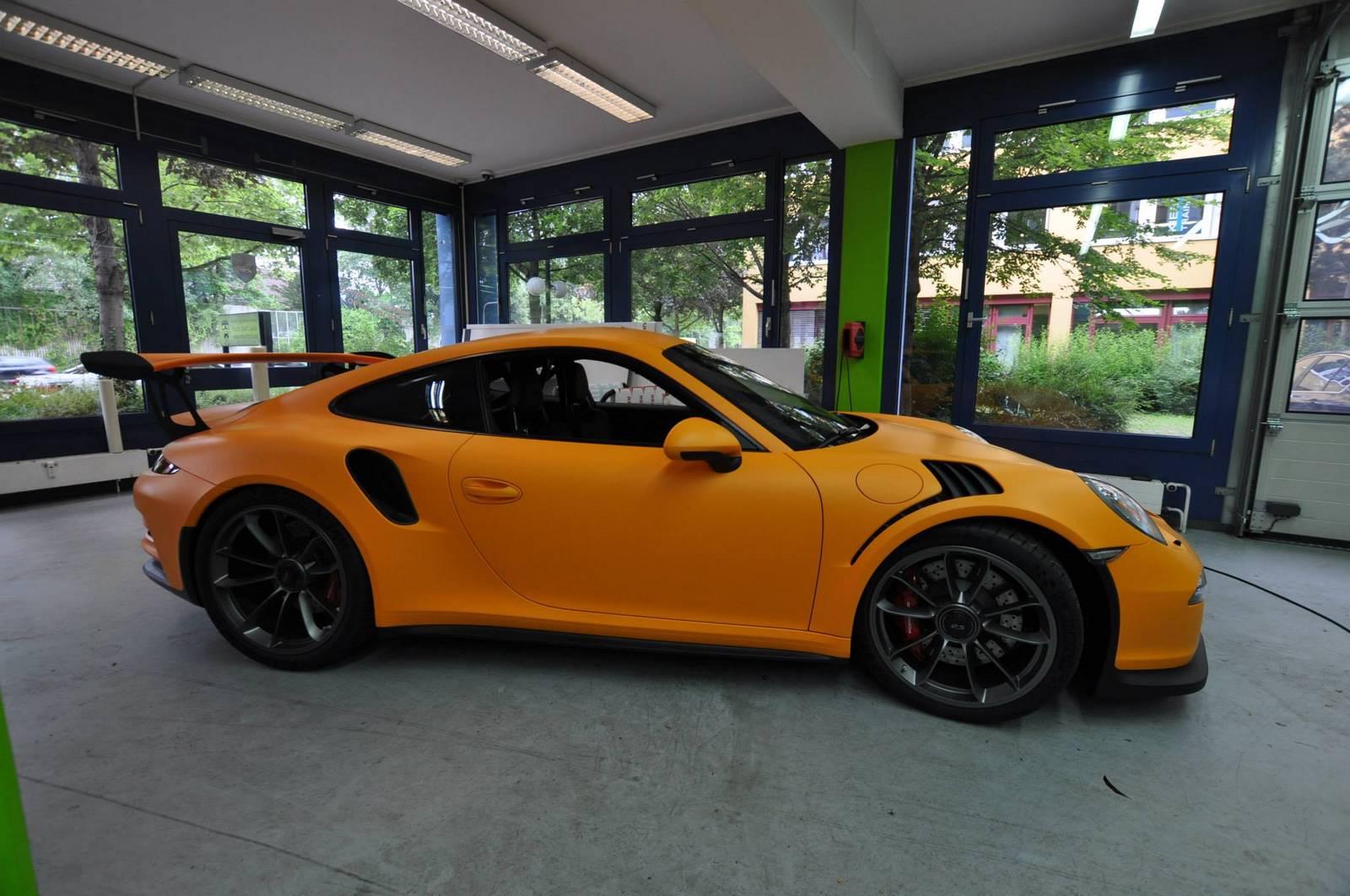 2016 porsche 911 gt3 rs wrapped in racing orange matt gtspirit. Black Bedroom Furniture Sets. Home Design Ideas