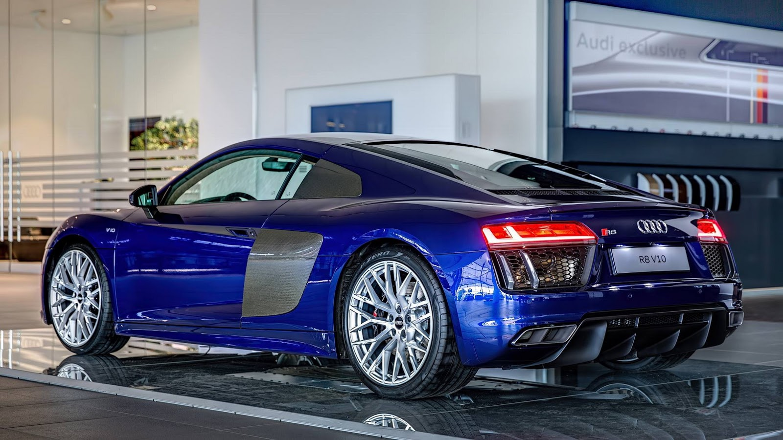 2018 audi r8 v10 plus top speed 10