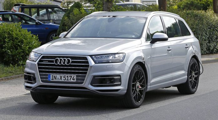 Audi SQ7 Spy Shots at the Nurbugring Without Camo