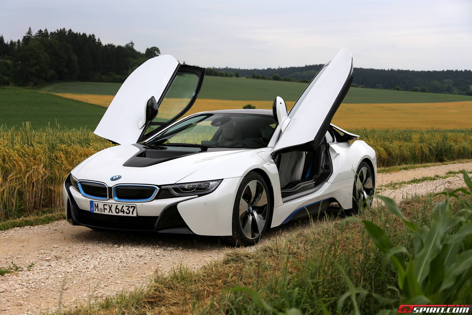 2016 bmw i8 review gtspirit. Black Bedroom Furniture Sets. Home Design Ideas