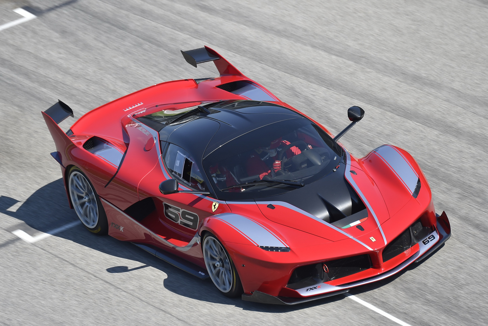 potent laferrari fxx k completes testing at imola gtspirit. Black Bedroom Furniture Sets. Home Design Ideas