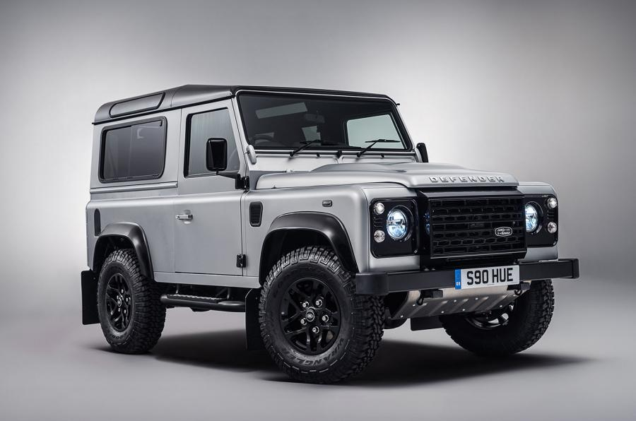 land rover defender production to continue in 2016 gtspirit. Black Bedroom Furniture Sets. Home Design Ideas