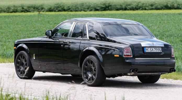 Rolls-Royce Cullinan Mule  Rear