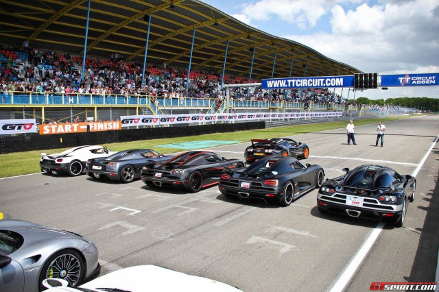 Supercars and Hypercars Flock to Supercar Sunday 2015