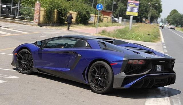 Lamborghini Aventador SV Spied rear