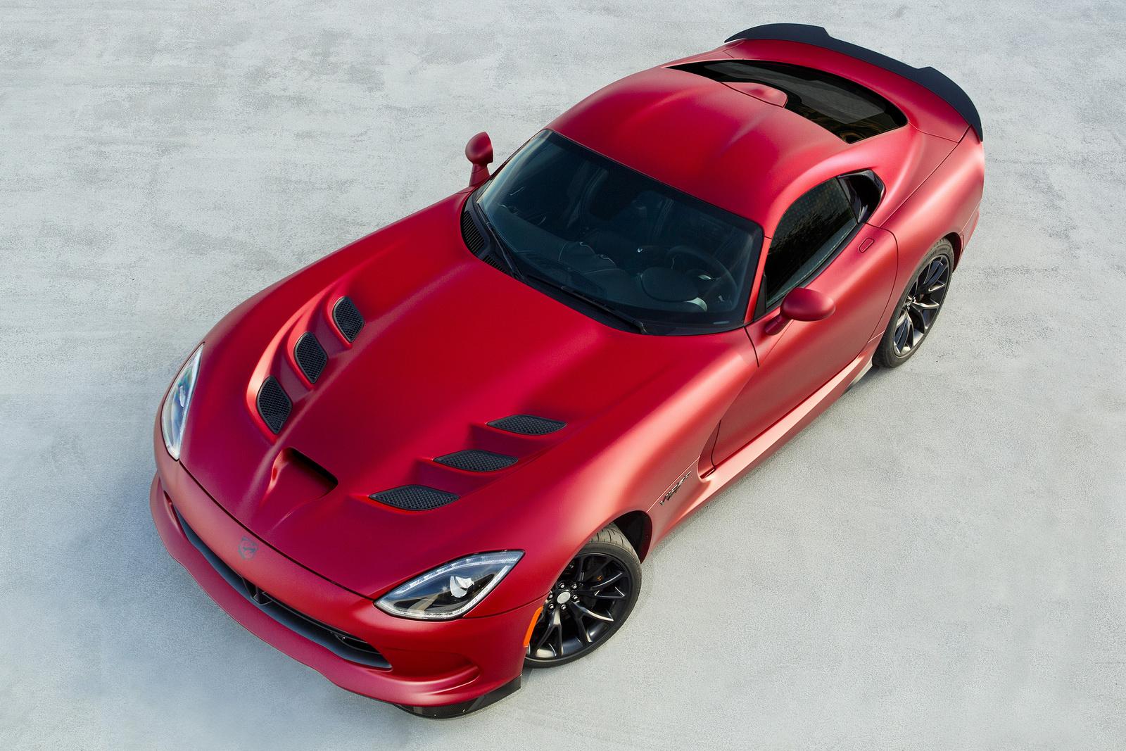 2015 Dodge Viper Srt Poses In New Matte Red Gtspirit