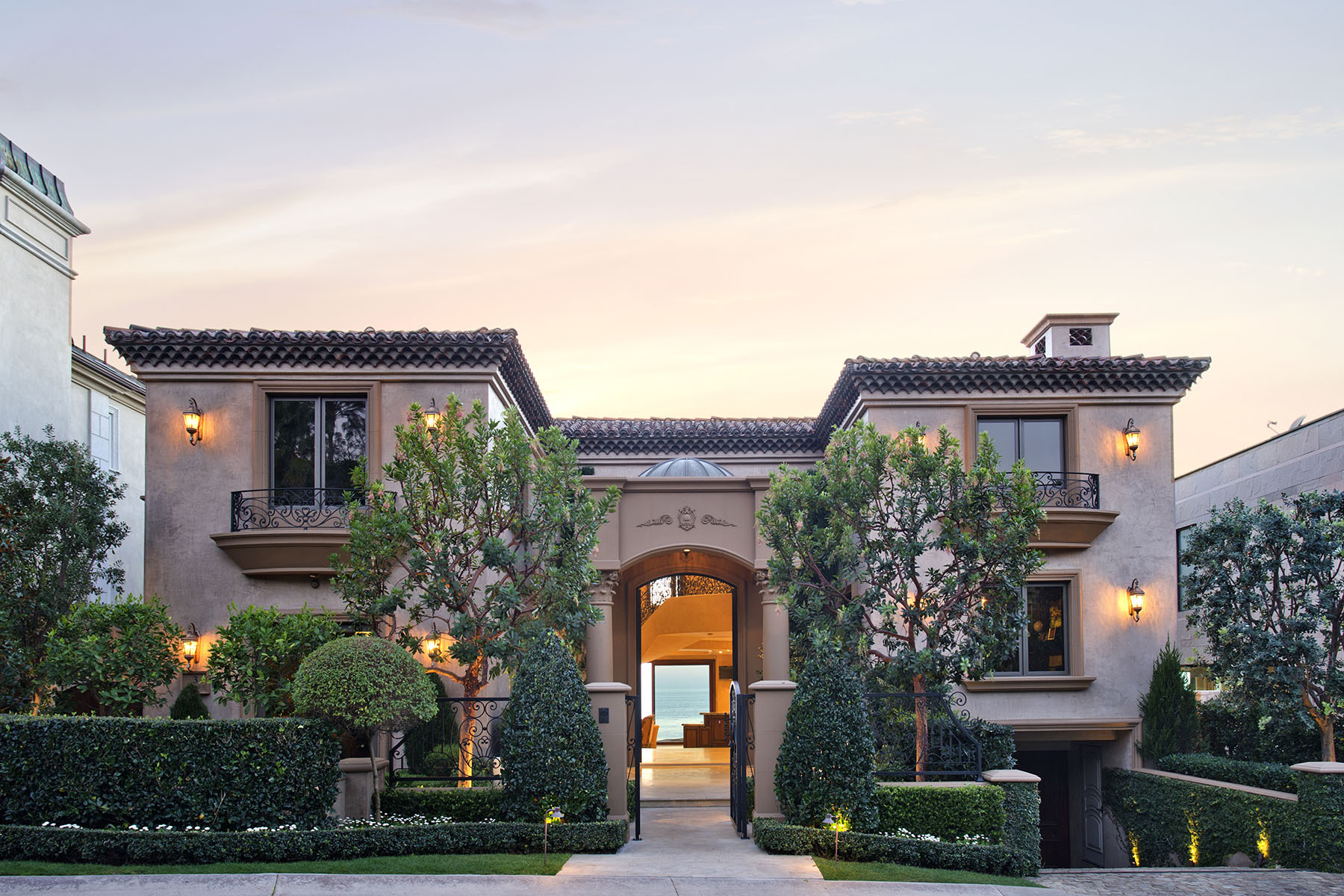 Gorgeous french riviera inspired californian mansion for for Riviera house