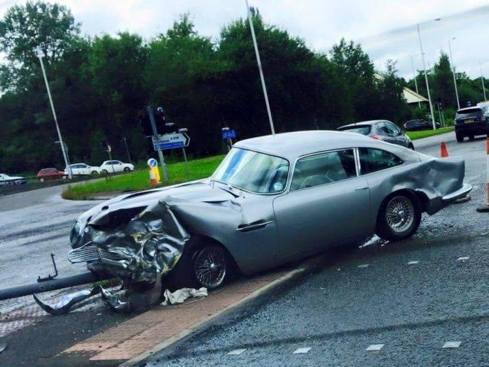 Aston Martin Db5 Crashes In Manchester Gtspirit