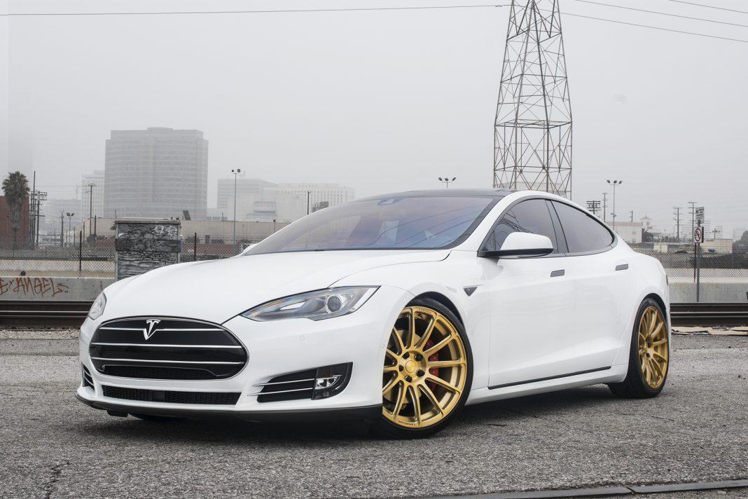 T Sportline Tesla