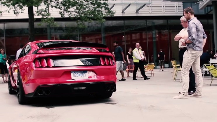 Ford Mustang Shelby GT350R London
