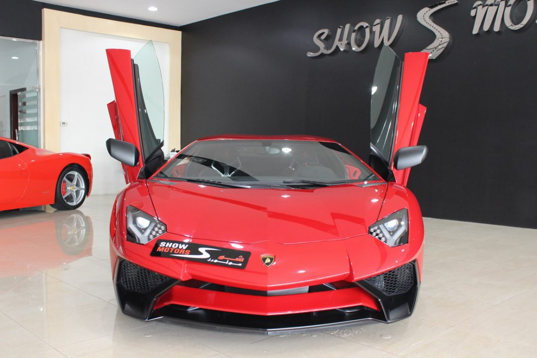 first lamborghini aventador sv for sale in dubai gtspirit. Black Bedroom Furniture Sets. Home Design Ideas