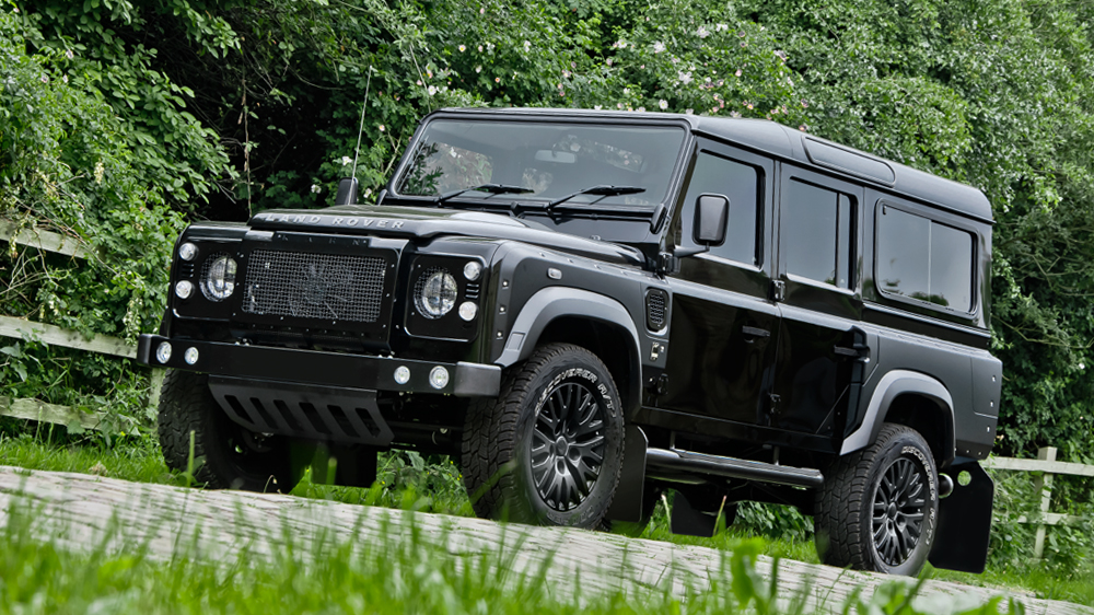 santorini black land rover defender by kahn design gtspirit. Black Bedroom Furniture Sets. Home Design Ideas