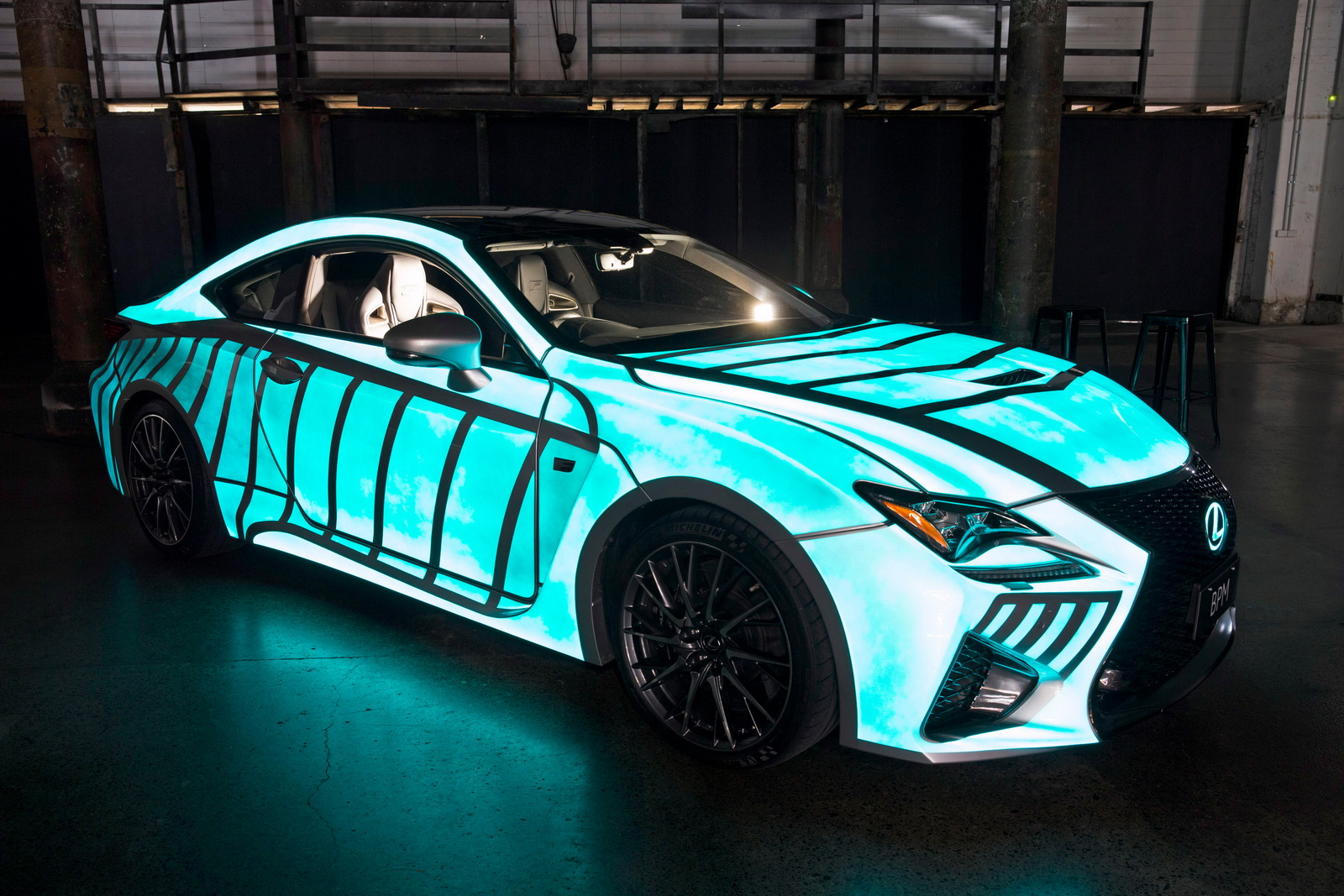 Lexus previews rc f with dynamic glow in the dark paint for Car paint designs pictures