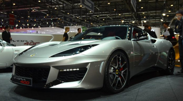 Lotus Evora 400 hits 260 km/h on track
