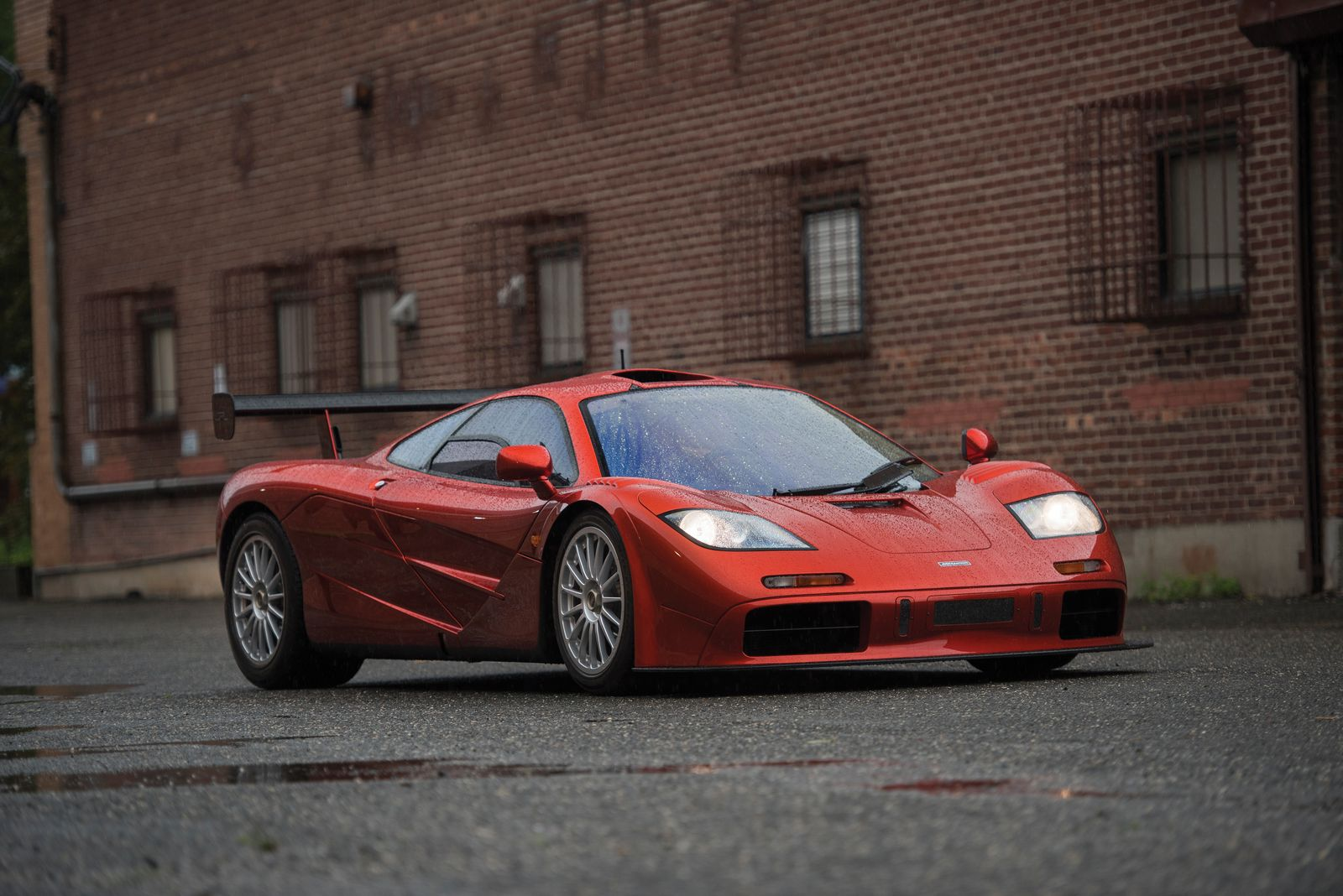 incredible mclaren f1 lm spec heading to rm sotheby 39 s auction gtspirit. Black Bedroom Furniture Sets. Home Design Ideas