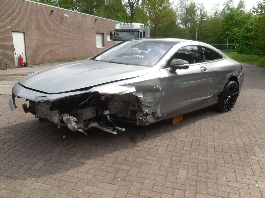 wrecked mercedes benz s63 amg coupe selling for 100 076