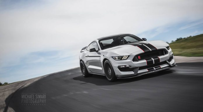 Photo of the Day: Stunning 2016 Ford Mustang Shelby GT350R!