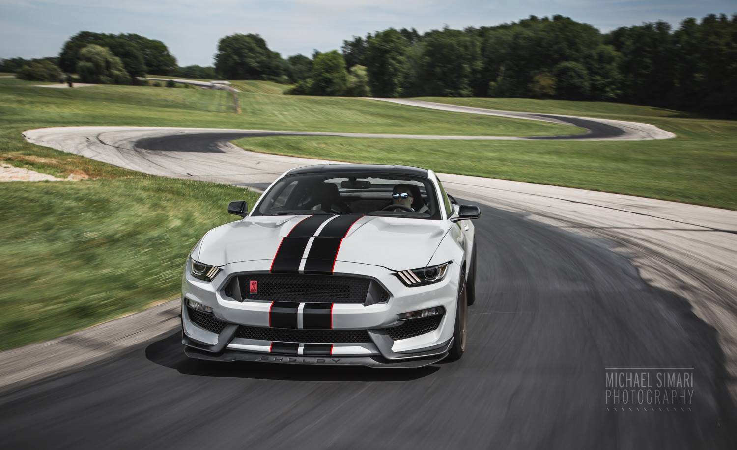 photo of the day stunning 2016 ford mustang shelby gt350r gtspirit. Black Bedroom Furniture Sets. Home Design Ideas
