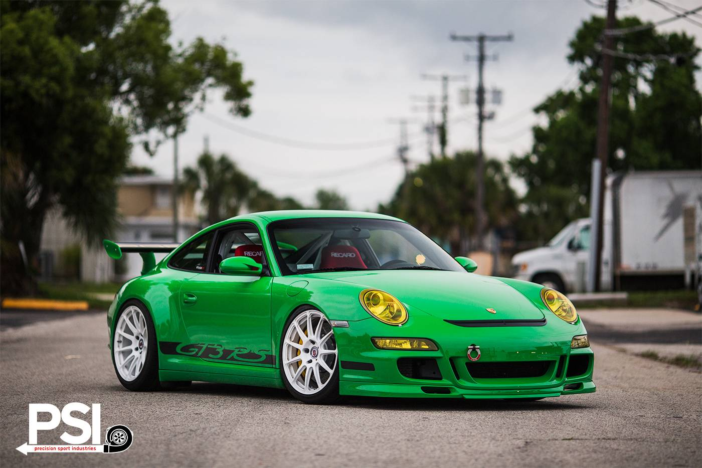 tuningcars green porsche 911 gt3 rs rides on white hre wheels. Black Bedroom Furniture Sets. Home Design Ideas
