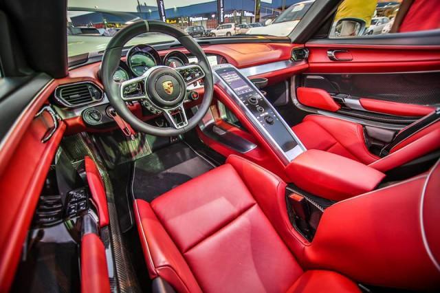 Gorgeous high mileage porsche 918 spyder for sale in dubai for Interior 918 spyder