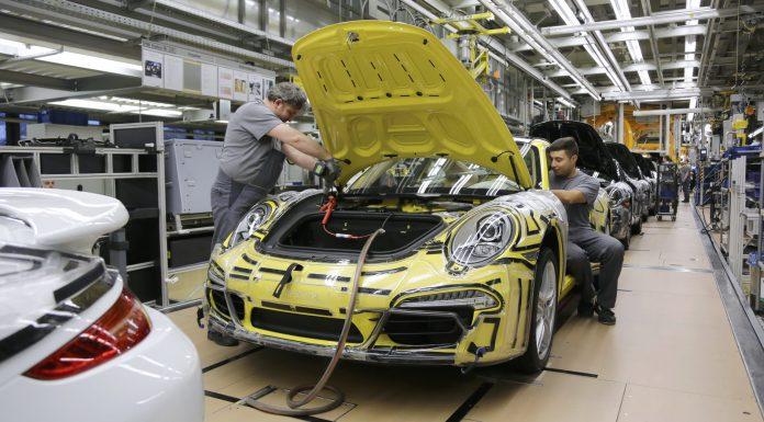 Porsche-Zuffenhausen-assembly-line-4