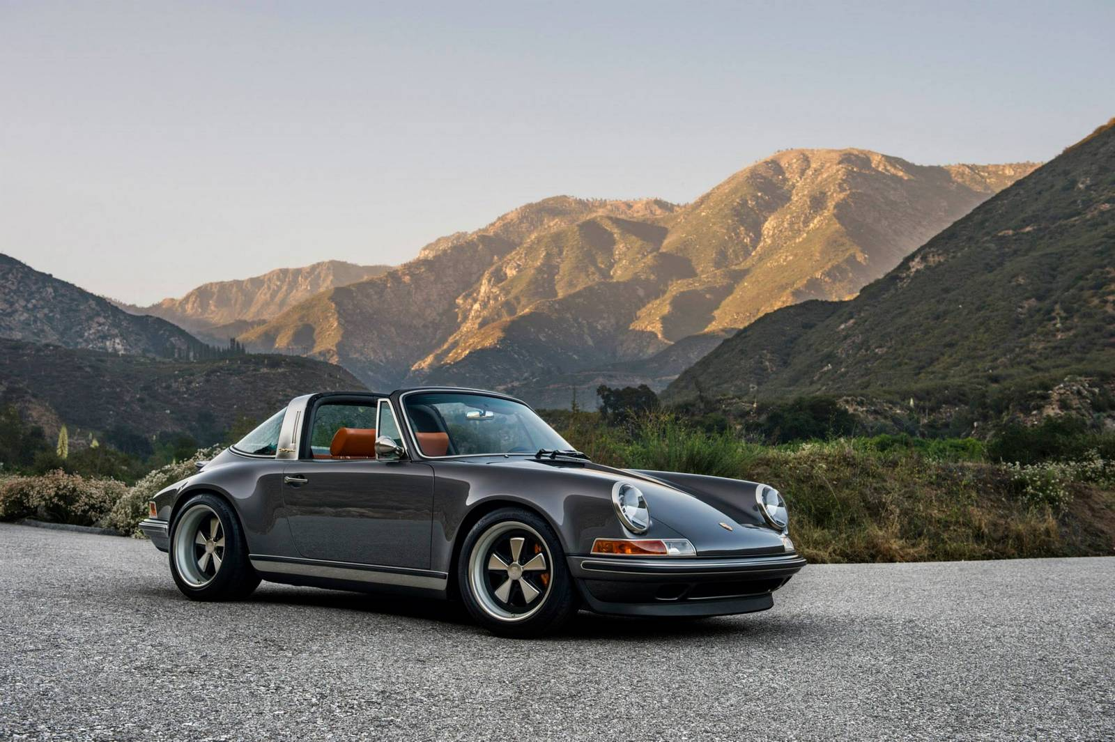 singer 39 s first porsche 911 targa gtspirit. Black Bedroom Furniture Sets. Home Design Ideas