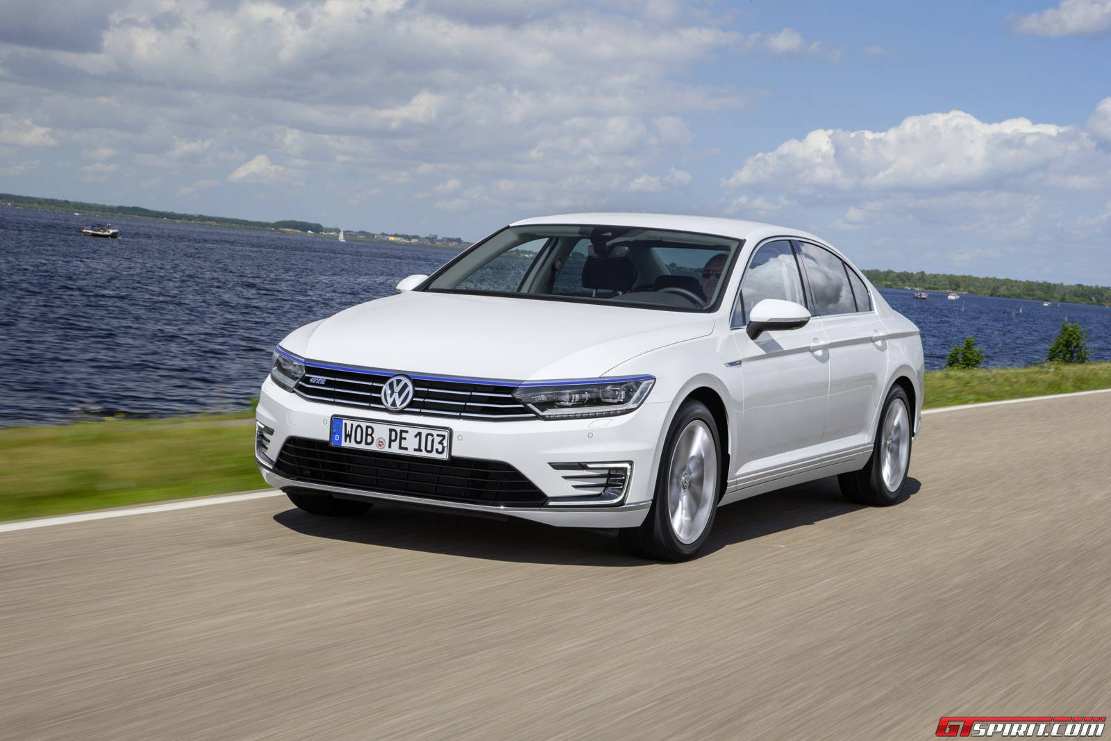 2016 volkswagen passat gte review gtspirit. Black Bedroom Furniture Sets. Home Design Ideas