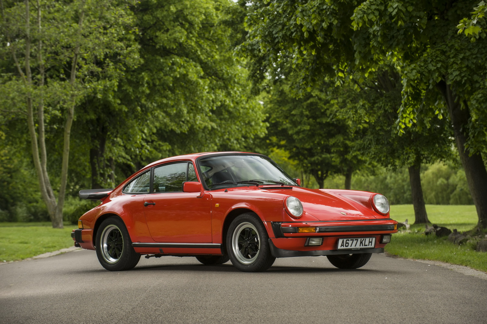 james may 39 s classic porsche 911 sells for over 50 000 gtspirit. Black Bedroom Furniture Sets. Home Design Ideas