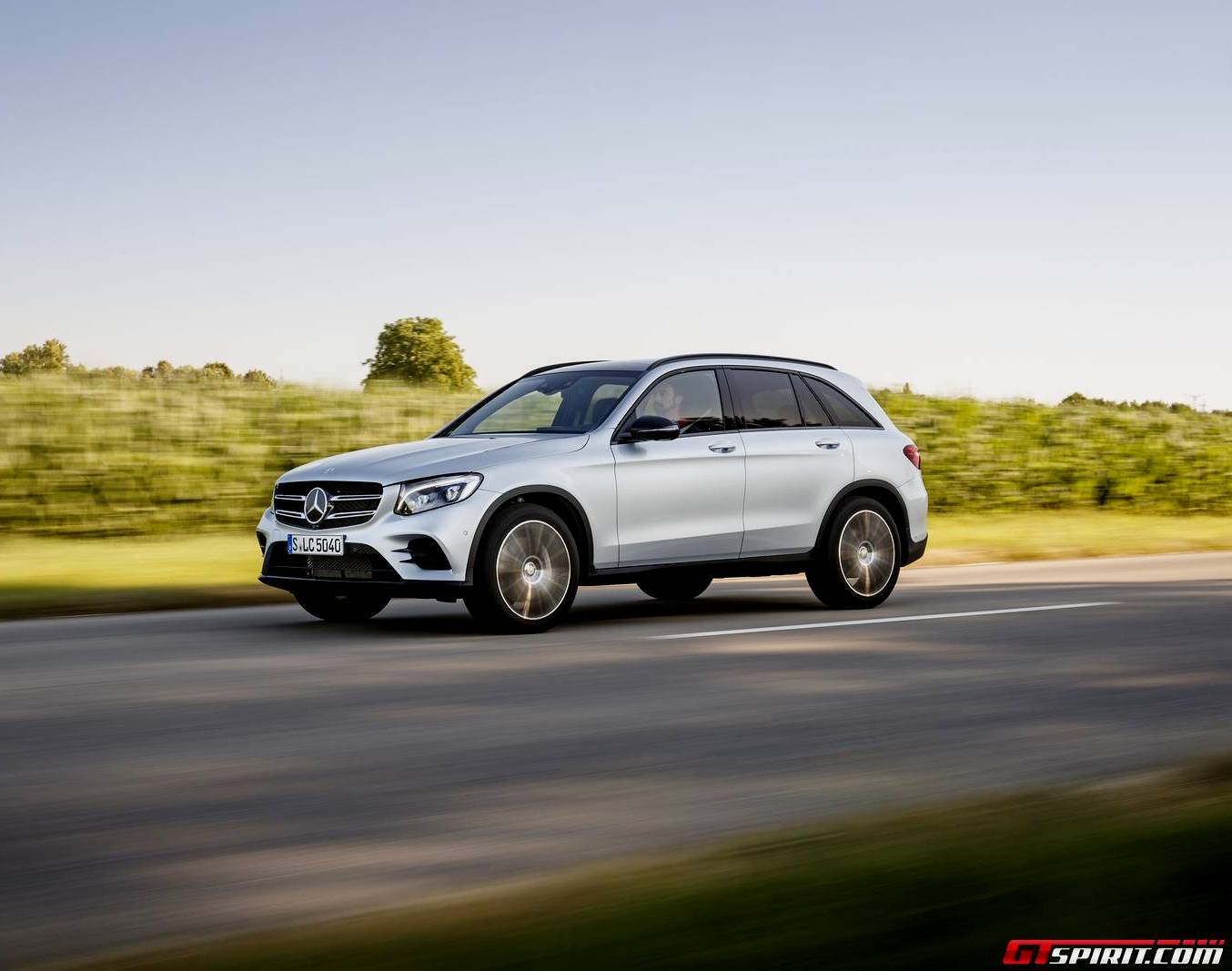 2016 mercedes benz glc review gtspirit for Mercedes benz silver