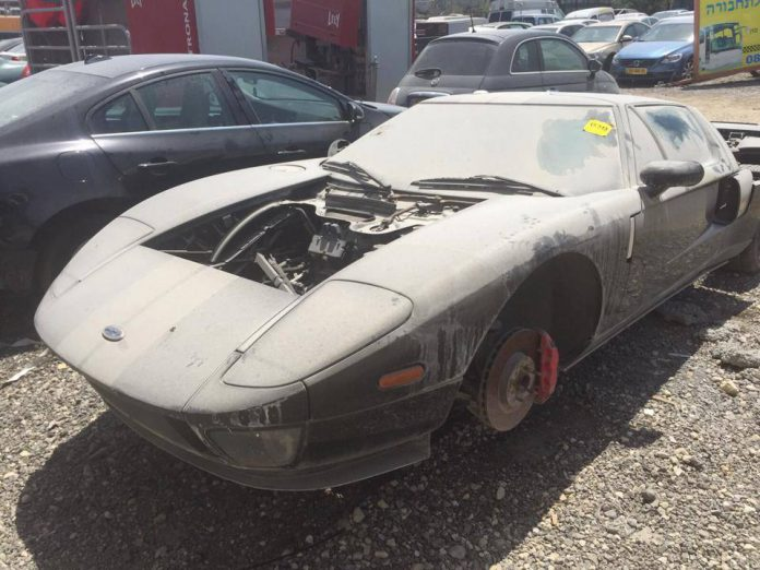 Abandoned Supercars: Ford GT