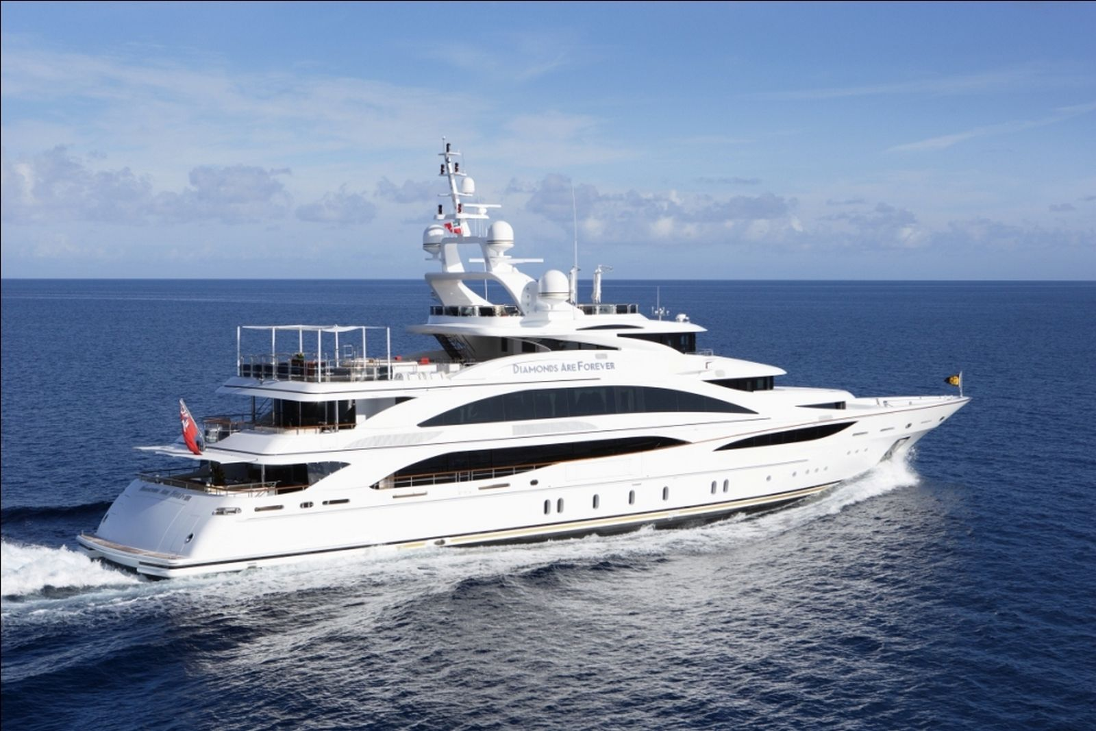 Million Dollar Yacht >> This Is What A 60 Million Yacht Looks Like Gtspirit