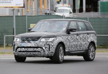 Facelifted Range Rover Sport spied