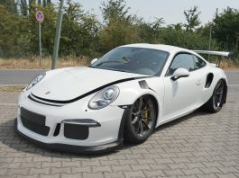2016 Porsche 911 GT3 RS crash