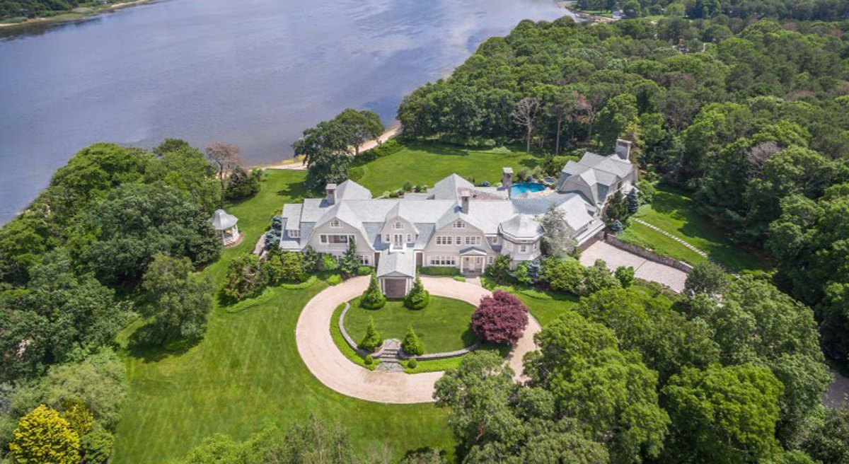 95 million new york retreat for sale gtspirit for Mansions in new york for sale