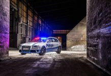 Audi RS4 Avant police car front