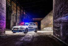 Audi RS4 Avant police car front