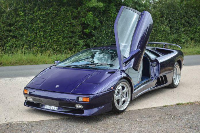 Blue Scuro Lamborghini Diablo SV Headed to Salon Prive Auction