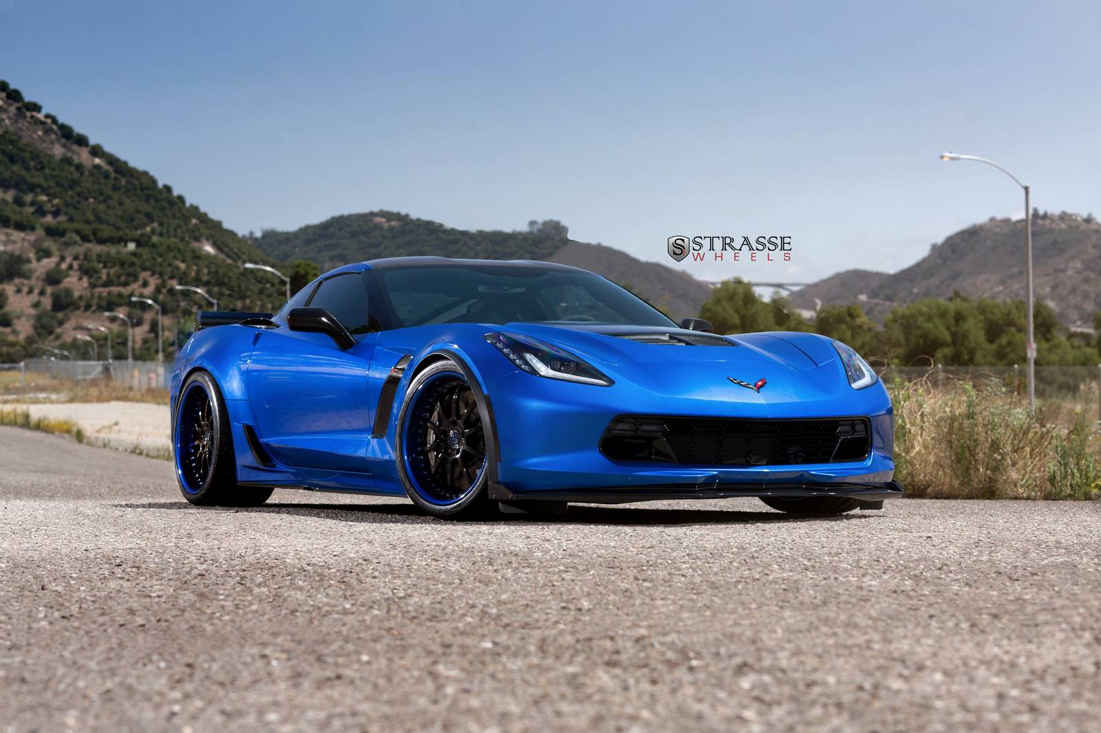 laguna blue corvette c7 z06 with strasse wheels gtspirit. Black Bedroom Furniture Sets. Home Design Ideas