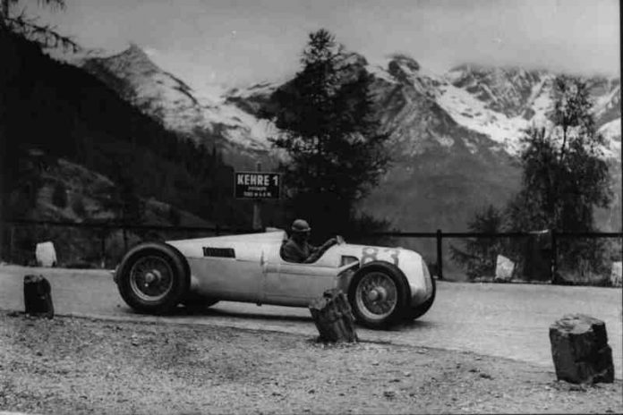 Hans Stuck blasting the Auto-Union Type C up the mountain.