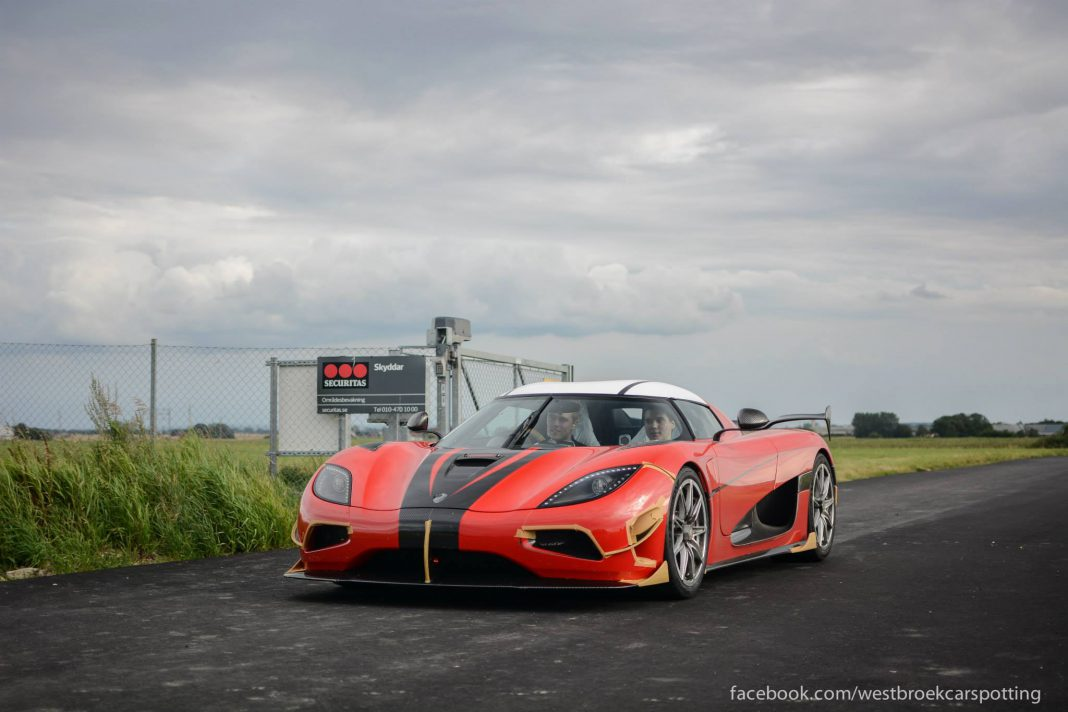 Red Koenigsegg Agera RS
