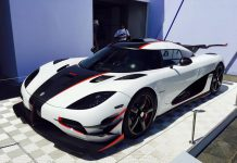 White Koenigsegg One:1