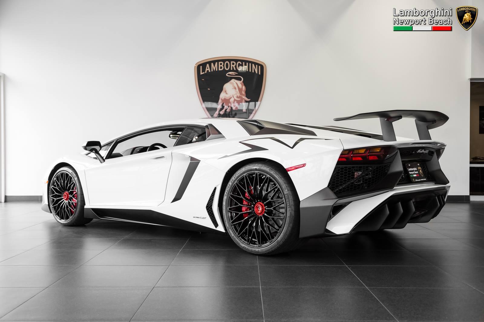 Gallery Bianco Isis Lamborghini Aventador Sv Gtspirit