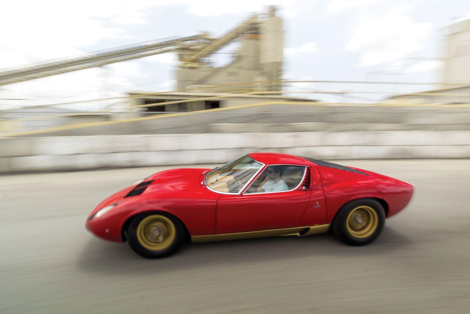 Eye Catching Red Lamborghini Miura Sv Heading To Auction Gtspirit