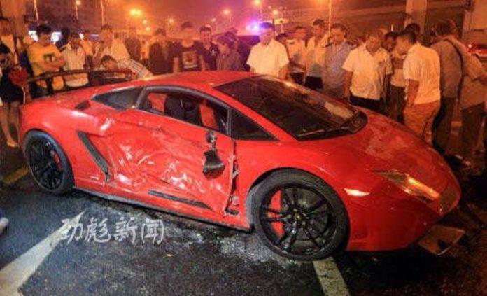 Lamborghini Gallardo STS crashes in China